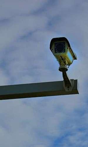 Instalação de câmeras de vigilância