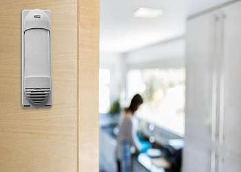 Monitoramento residencial com alarme