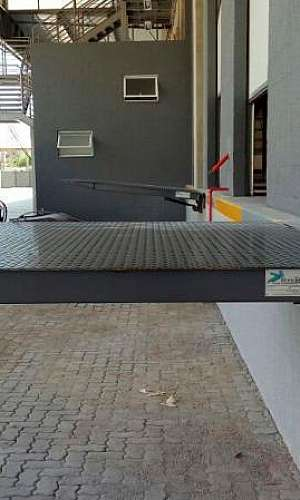 Sistema de segurança para niveladora de Doca